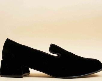90s Vtg Jet Black Silky VELVET Leather Slip On Smoking Loafer / Platform Chunky Heel MINIMALIST Modern Goth 9 Eu 40