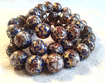 Vintage Chinese Cloisonne Bead Necklace.