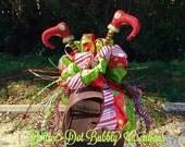 Elf Leg Mailbox Topper, Mailbox Topper, Christmas Mailbox Topper, Christmas Garland, Christmas Swag