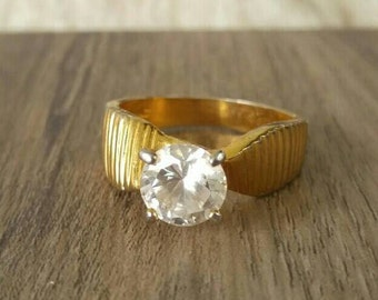 Vintage engagement solitaire ring gold tone size 9 costume  jewelry