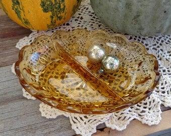 Vintage Amber Glass Dish - Retro Amber Divided Dresser Dish,  Snack Tray or Nut Dish, Mid Century Serving Bowl, Retro Art Glass, Change Dish