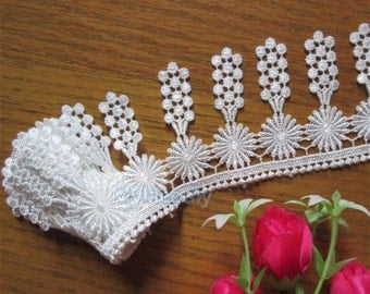 2 3/4 inch wide white(not snow white)ivory lace trim price for 1 yard