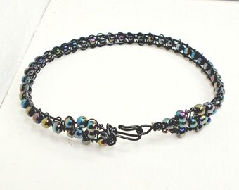 Slim wirework clasp bangle HANDMADE black iridescent beads sz 8 by Pat2
