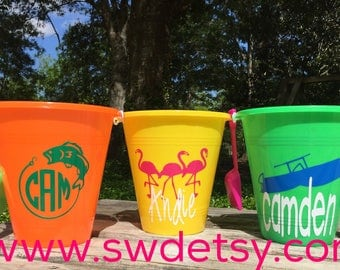 Personalized Sand Bucket / Sand Pail / Kids Beach Bucket / Beach Toys / Vacation / Personalized Party Favor / Birthday Gift / Summer Bucket