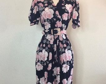Pink Floral Print Shirt Waist Dress with Belt - 80s Does 50s with Pockets Size S / M
