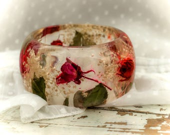 Real Rose Romantic Resin Jewelry Bangle Bracelet. Real white tiny flowers green leafs bangle. Botanical bracelet Bohemian Dried flowers