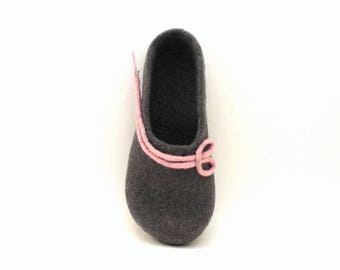 Felted wool slippers - handmade wool clogs - grey pink felt slipper - made to order - autumn winter fashion - Mothers day gift gift for her