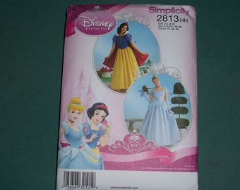 Simplicity 2813..Disney Princess Gown Patterns for Misses..Snow White and Cinderella Costume Patterns...Cosplay...Role Play Costumes..