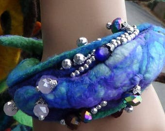 DIY 3D bracelet, mittens and gloves, felted rug, felting projects, felting classes