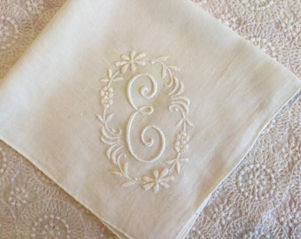 Vintage Embroidered Handkerchief,Bridal Hankie,Monogramed Letter E