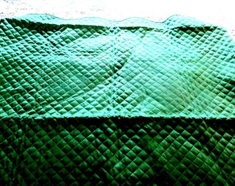 """Bridgecloth ... Tablecloth Green Satin Quilted wScalloped edges 29"""" square"""