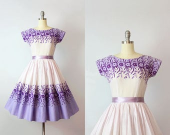 vintage 50s dress / 1950s floral cotton dress / purple floral dress / floral embroidered dress / border print dress / Year in Provence dress