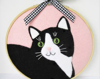 Hoop art, black cat, cat hoop art, cat lovers, cat decor, cat gifts, cat lady, felt hoop art