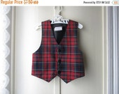 ON SALE Vintage red plaid vest  / Christmas vest / 1980s tartan waistcoat  /  baby boy up to 30 pounds