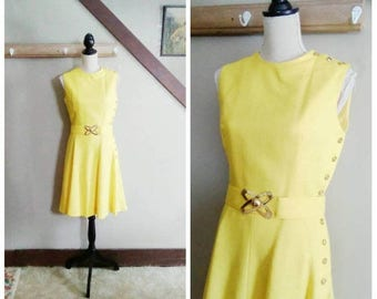 20% OFF / Drift Between Dimensions 1960s Mod/Space Age Yellow Linen Dress with Asymmetrical Button Detail