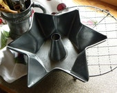 Primitive FRENCH Bakery Rare 1800s Fine Hand Pressed Large Tin STAR Funnel Cake Pan, Wide Deep Edged Mold, No Baked on Old Blackened Grease