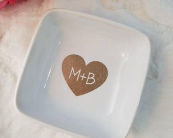 Initial Heart Ring Dish, Personalized Jewelry Dish, Engagement Gift, Engagement Ring Holder, Jewelry Dish, Gift for Bride