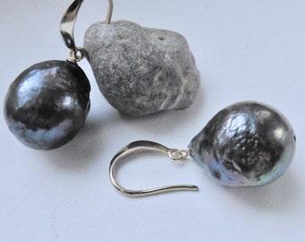 Pearl Earrings Edison beads 17 mm black Baroque