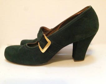 Vintage 1940s Green Suede Buckled Pumps 8.5 - 9