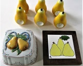 Lot of 90's vintage collectible Pears, kitchen decor, 6 napkins rings, ceramic pear trivet, ceramic pears mold, yellow and white, gift idea
