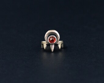 Worshipper midi ring - A midi ring with talons and the crescent Moon, accented with a Red Garnet gemstone.