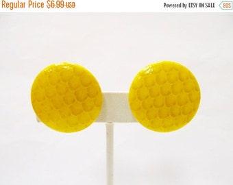 On Sale Retro Yellow Textured Earrings Item K # 2022