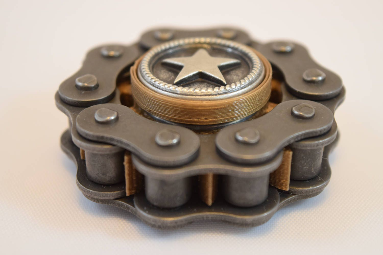 mini badbiker hand spinner fidget spinner small bad biker. Black Bedroom Furniture Sets. Home Design Ideas