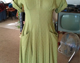 Vintage 1950s Olive Green Dotted Linen Dress with Hip Pockets and a Full Skirt