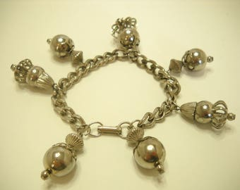 Vintage Silver Tone Dangle Bracelet (7416)