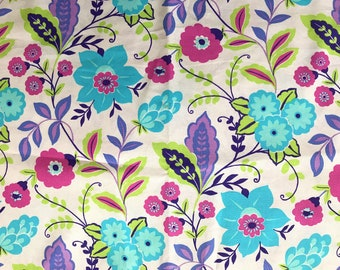FABRIC-Bright Floral by the Yard-Quilt Fabric-Apparel Fabric-Home Decor Fabric-Fat Quarter-Craft Fabric-Fat Quarters