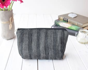 Linen Cosmetic Bag, Pleated Makeup Organizer Bags, Storage, Rustic cosmetic bags, Bridesmaids gift, Bridesmaid Makeup Pouch, Wedding Gift