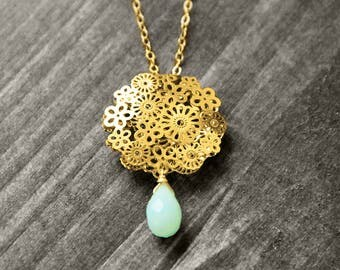 FLORAL necklace with flower and gem | gold