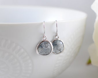 The Phoenix Anne Earrings - Grey/Silver