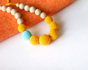 Fall Colors Crochet Nursing Necklace-Teething Necklace in Autumn Colors-Yellow Breastfeeding Necklace-Babywearing Accessory