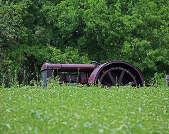 Vintage Tractor (FREE shipping in the U.S. only)
