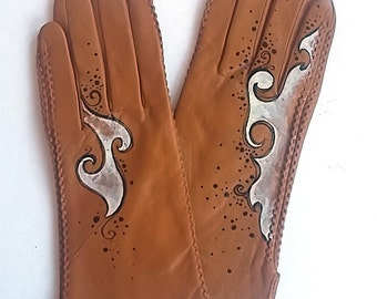 SIZE 6.5 - Handmade Vintage CAMEL Leather Gloves,Hand Painted Gloves, Leather Gloves, Costume Gloves, Leather Accessory,Camel Leather Gloves