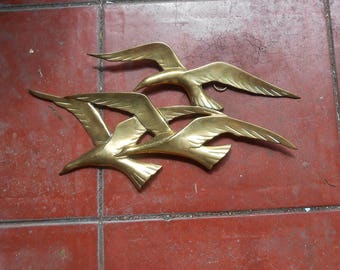 Vintage 1980 Brass Wall Art Hanging Decoration Flock of Seagulls Birds Flying Home Decor Brass Wall Plaque