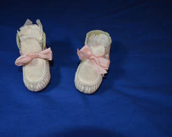 Pair of Vintage White Leather Baby Shoes for a Baby Girl
