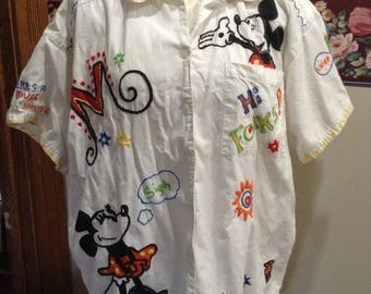 Walt Disney Mickey Mouse Embroidered button front Shirt size large