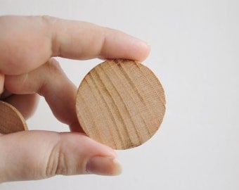 "40 mm (1,57"") Unfinished Wooden Circles (pendant)  - natural eco friendly - 5 pcs - made from walnut-tree or cherry tree"