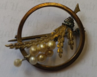 Vintage Wheat Sheaf and Pearl Brooch