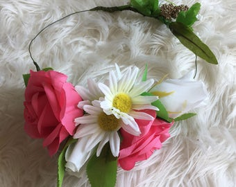 Pink white daisy photo shoot prop wedding hair flowercrown wreath tiara bridal bridesmaid wedding occassion accessory
