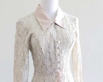 1990's Ivory Lace Sheer Jacket with Princess Seams and Keyhole Neckline