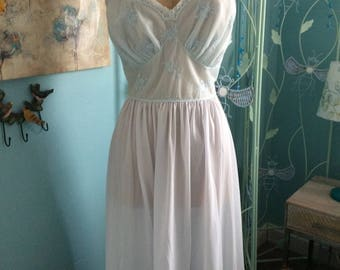 Size 40 Vanity Fair Vintage Tea Length Nightgown