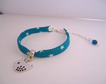 Blue bracelet with a silvery bird - Gypsy chic jewelry - Bonhemian style