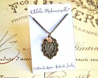 Vintage Pretty Little Liars inspired pendant necklace - Retro necklace