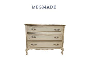 1011-02604 Customizable Frenchy 3 drawer dresser