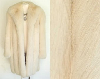 CD de Christian Dior FOURRURES 80s 90s Fur Coat Vintage White Fox Fur Jacket LM to L Free Domestic and Discounted International Shipping