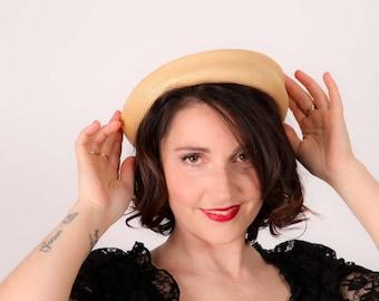 Vintage cream sisal hat pillbox bumper style hat