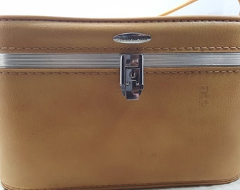 Featherlite by Sears, Train case, vintage luggage, travel, 1950s-1960s